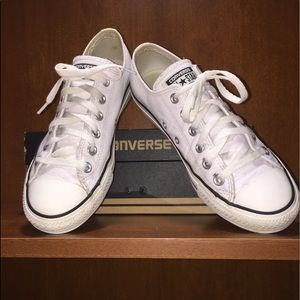 White Leather Converse size 8